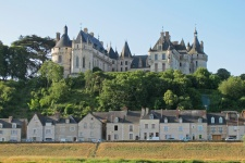 Замок Шомон