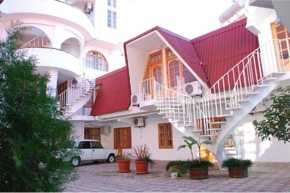Территория пансионата. Фото: www.sochi-korall.ru