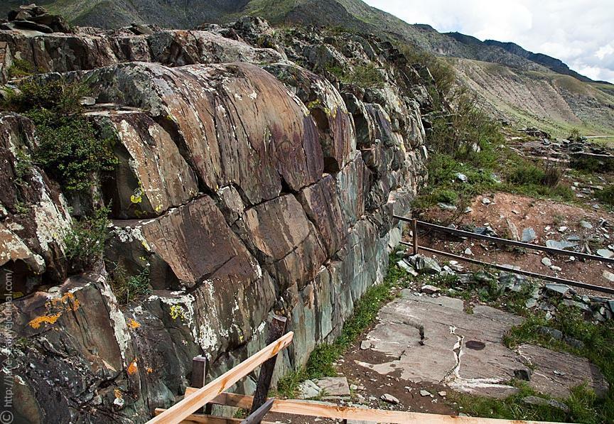 Стена с рисунками. Автор фото: Евгения Смолякова    jane-sea.livejournal.com