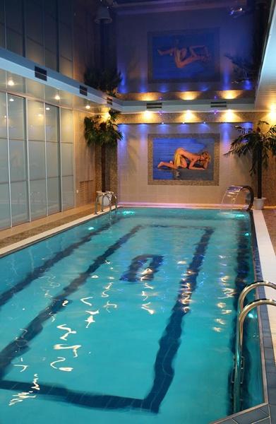 10 метровый бассейн, 27 градусов температура воды, качественная система очистки воды