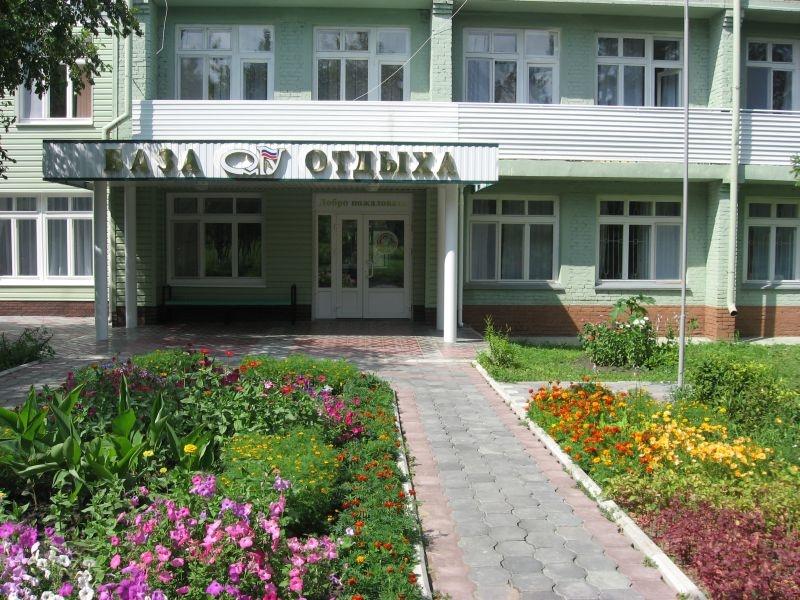 На территории. Фото: omsu.ru