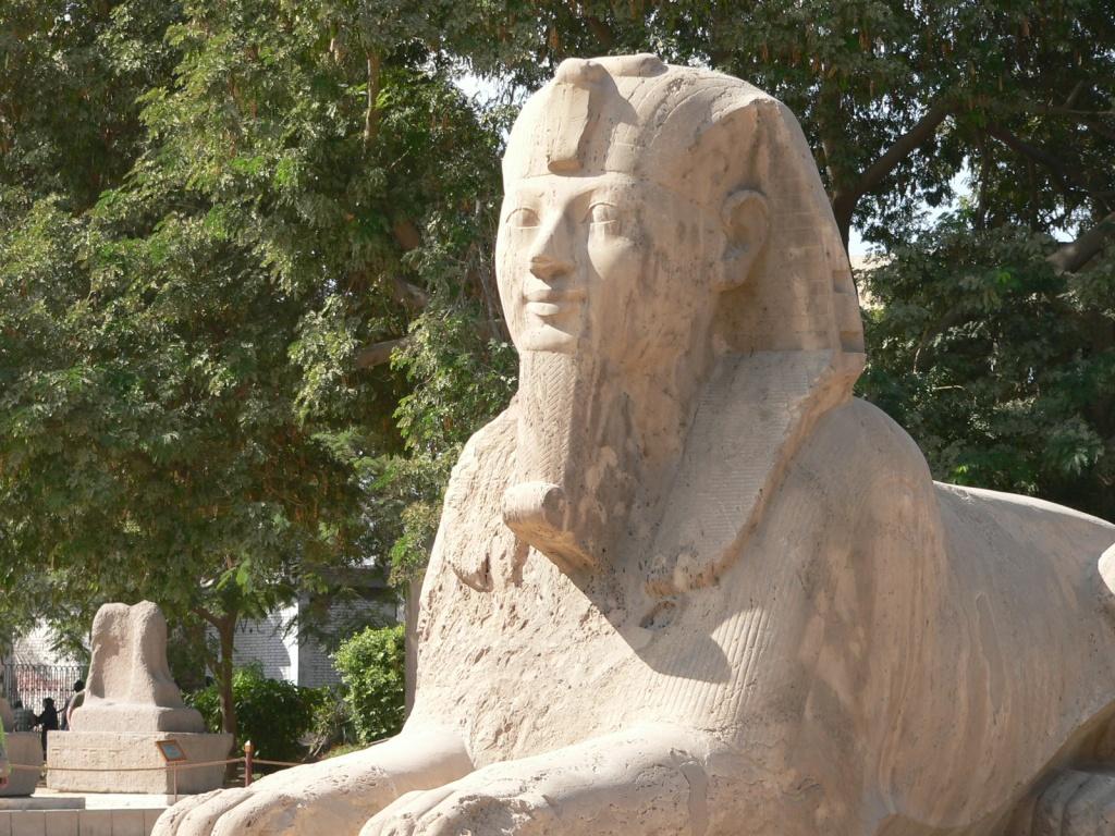 Сфинкс под открытым небом в музее Мемфиса. Автор: molajen. Фото:  www.flickr.com
