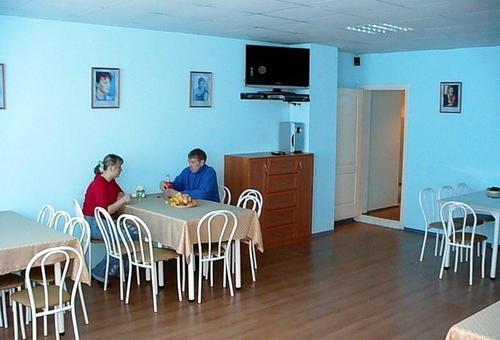 Кафе-столовая. Фото: www.kristall.myberdsk.ru