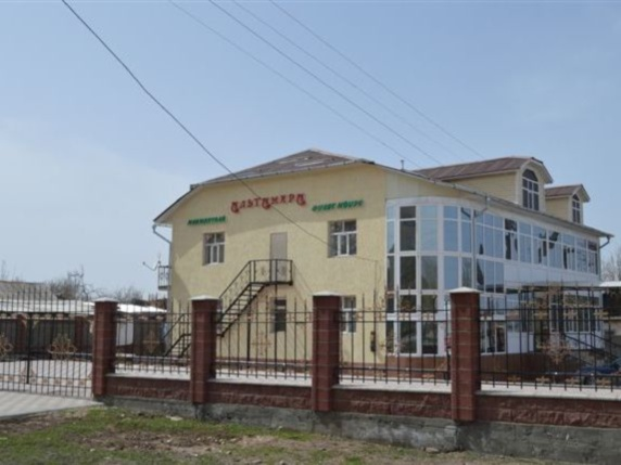 Фасад гостевого дома «Альтамира»