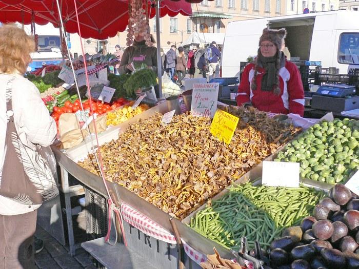 На рынке. Фото: www.helsinki.ru