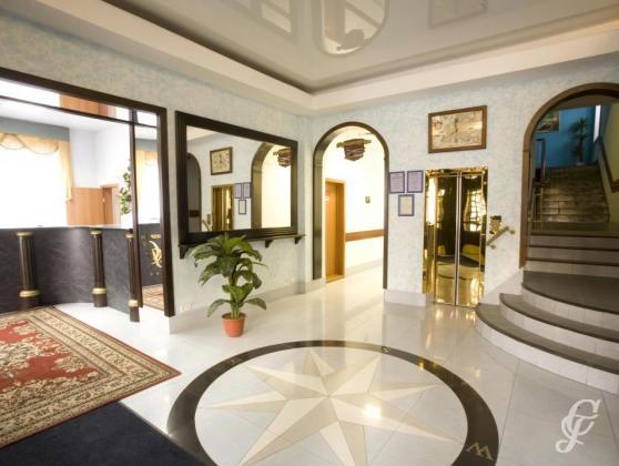 Холл. Фото: www.severnaya-nsk.ru