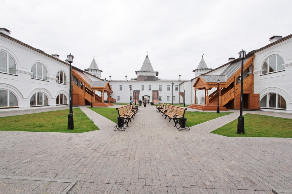 Визитно-гостевой комплекс «Гостиный двор» внутренний двор