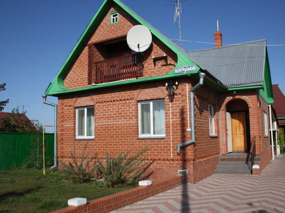 Большой коттедж. Фото: www.rebrovka55.ru