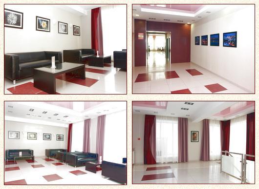 Холл. Фото: hotelural.biz