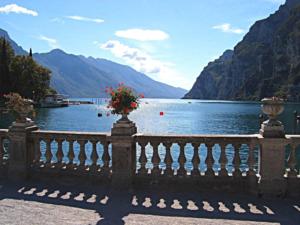Озеро Гарда. Автор: Markus Bernet. Фото:  wikimedia.org