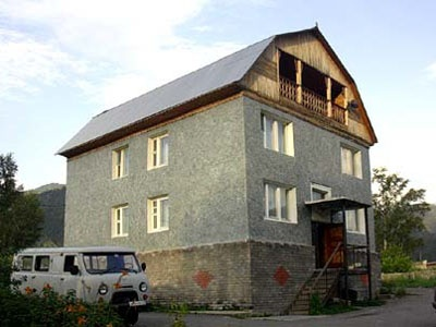 Гостиница ''Чемал''   www.turistka.ru