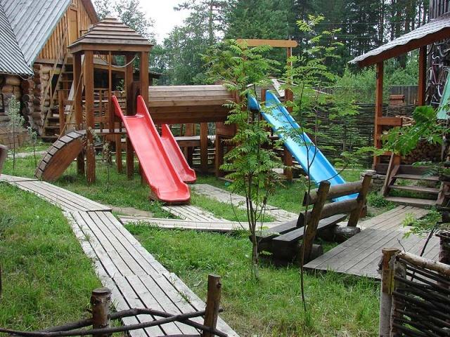 Детская площадка. Фото: www.vbanu.ru