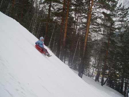 Катание на тюбингах   www.ski.ru
