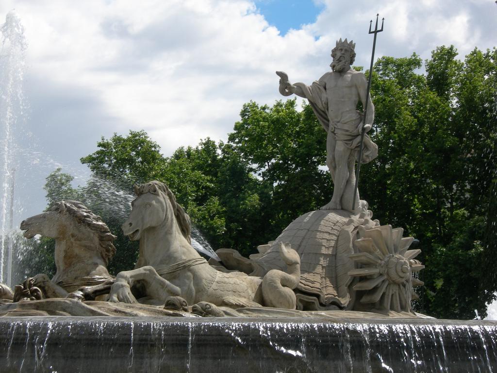Фонтан Нептуна. Автор: orocain. Фото:   wikimedia.org