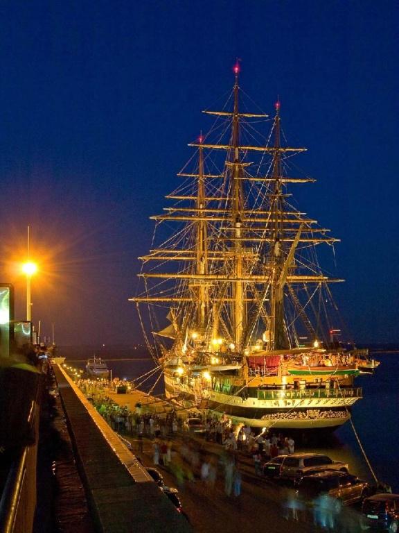 Порт Одессы. Фото с сайта  tonkosti.ru
