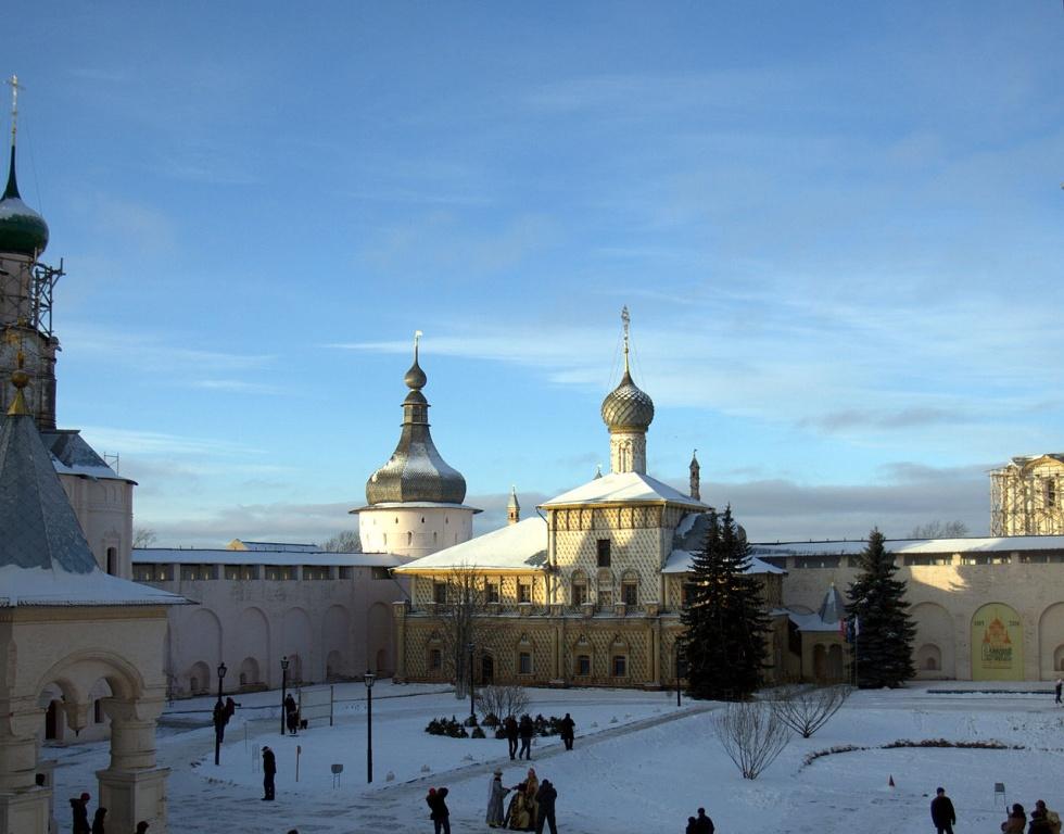 Вид на Ростовский Кремль сверху. Автор: Imasha. Фото: ru.wikipedia.org