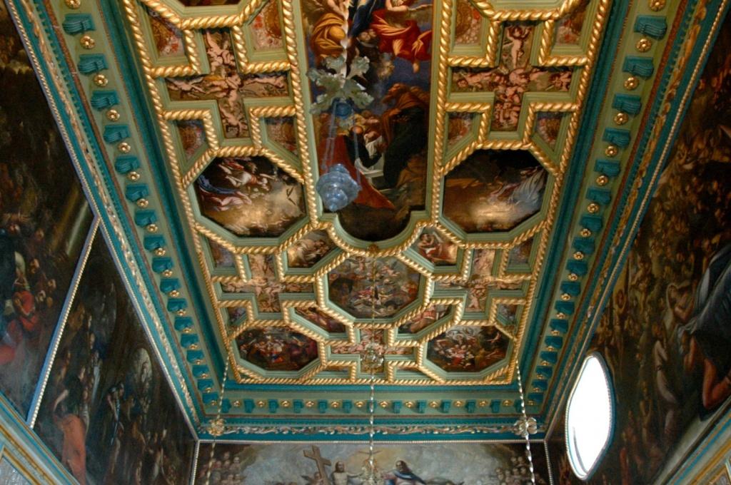 Потолок в церкви Божьей матери. Автор: kpi. Фото:  www.flickr.com