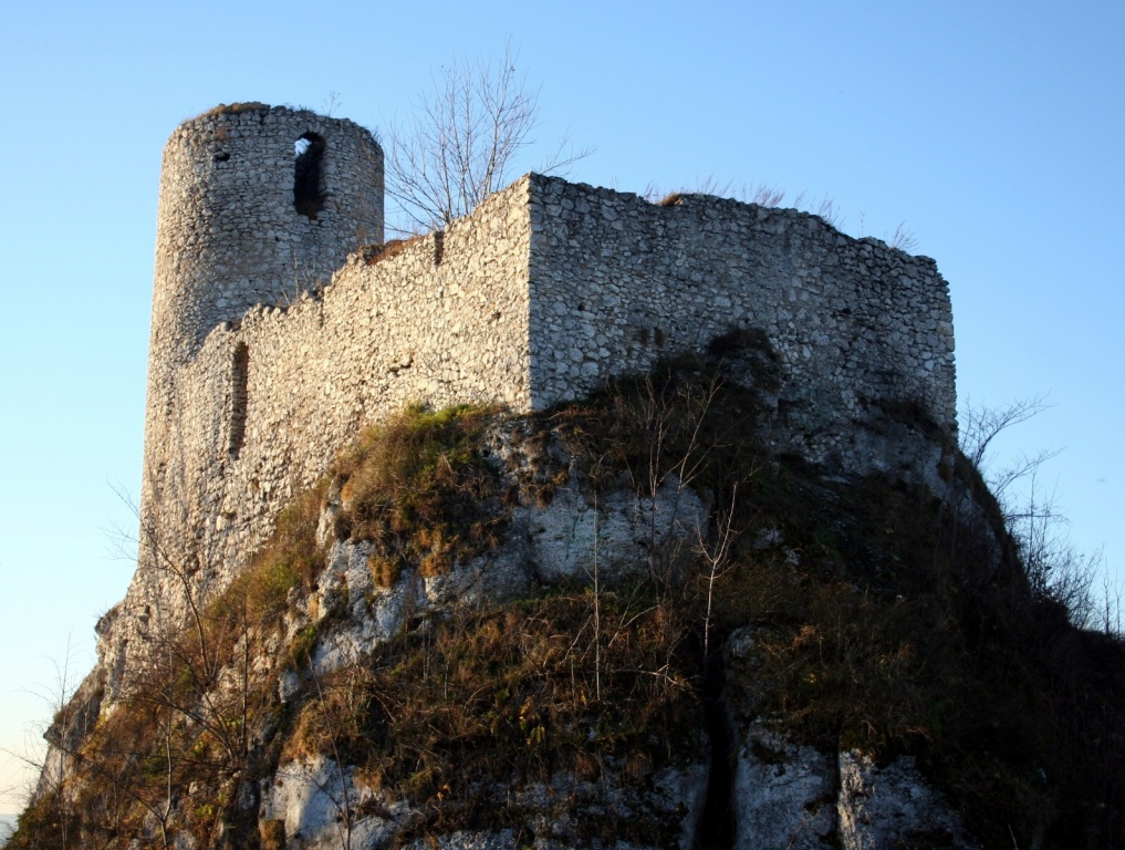 Руины рыцарского замка в Смолене. Автор: Przykuta. Фото:   wikimedia.org