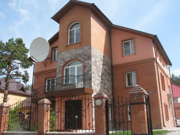 Фасад гостиницы. Фото: www.elementov-5.ru