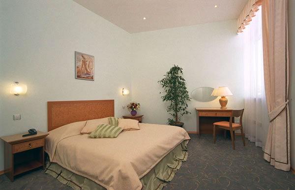 Двухкомнатный номер. Фото: breeze-hotel.com