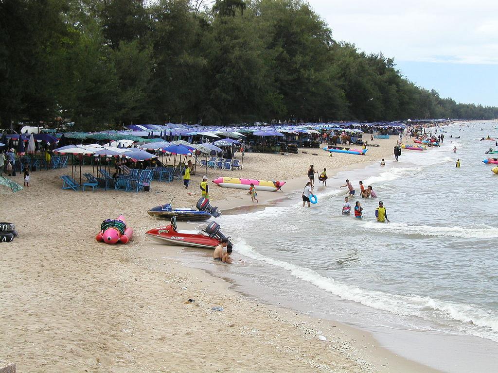 Общественный пляж. Фото:  tonkosti.ru