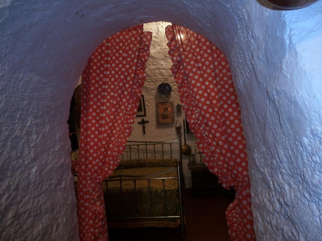 Пещера-дом. Автор: Jeanne Menj. Фото:  www.flickr.com