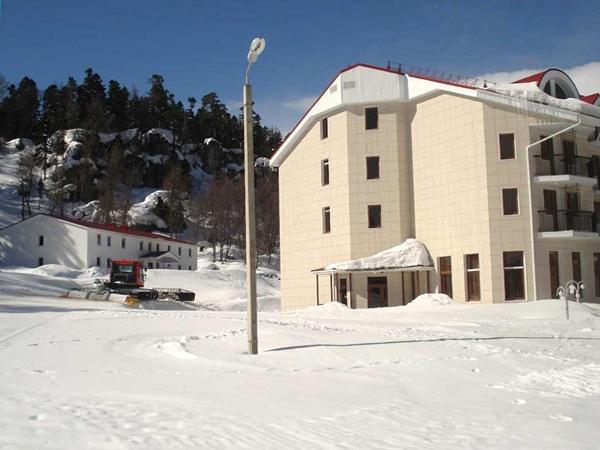 Отель «Азиш-Тау». Фото: www.azish-tau.ru