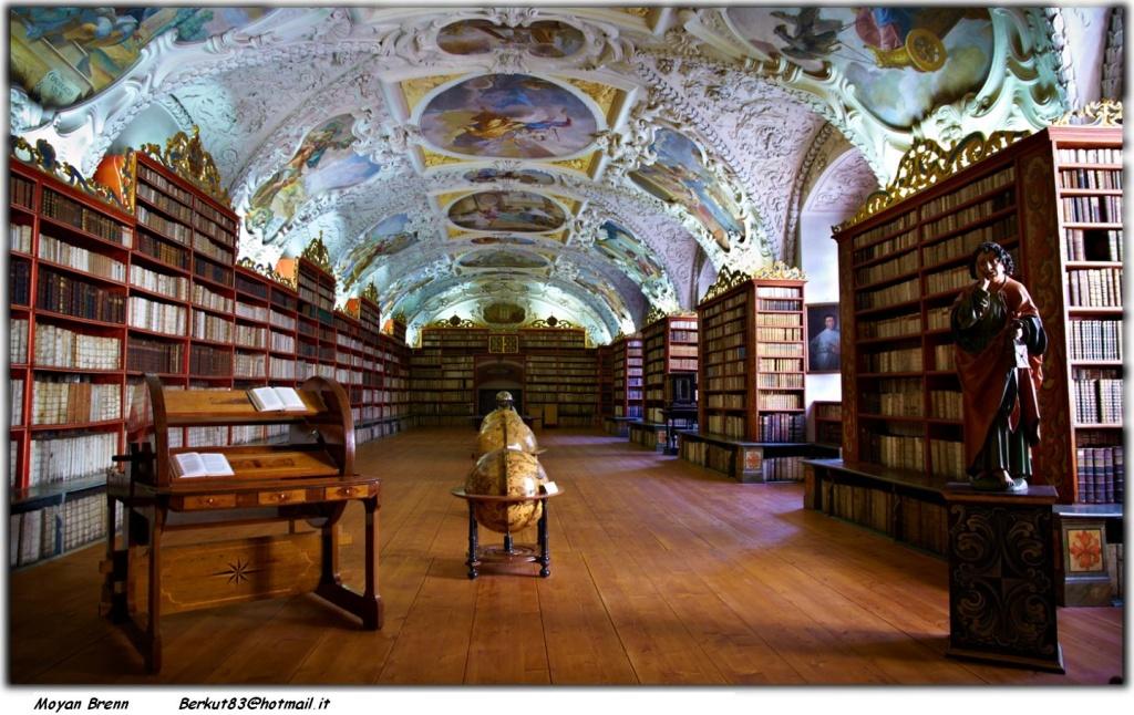 Теологический зал библиотеки. Автор: Moyan_Brenn. Фото:  www.flickr.com