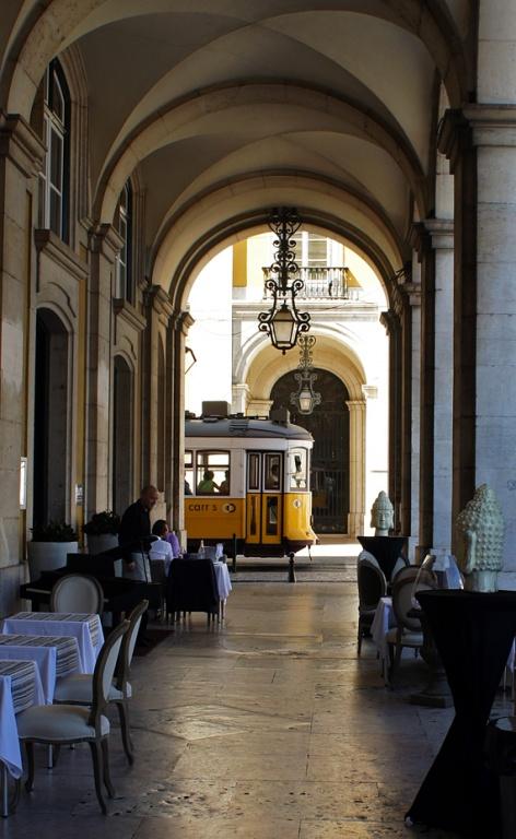 Кафе. Фото с сайта  tonkosti.ru