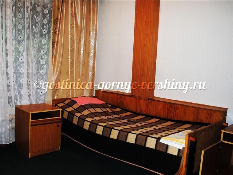 Интерьер номера. Фото: www.gostinica-gornye-vershiny.ru