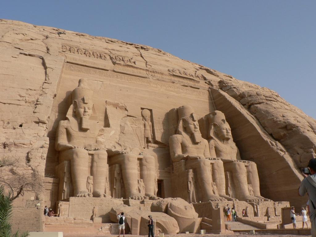 Вход в Большой храм. Автор: eviljohnius. Фото:  www.flickr.com