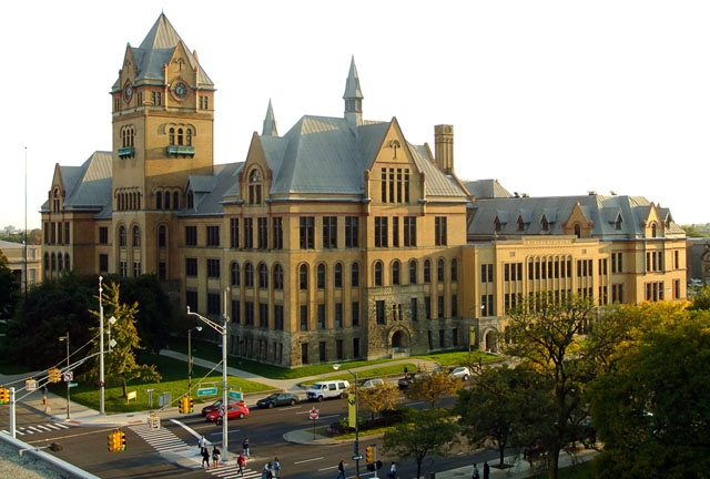 Мидтаун. Здание Wayne State University Фото:  americancities.ru