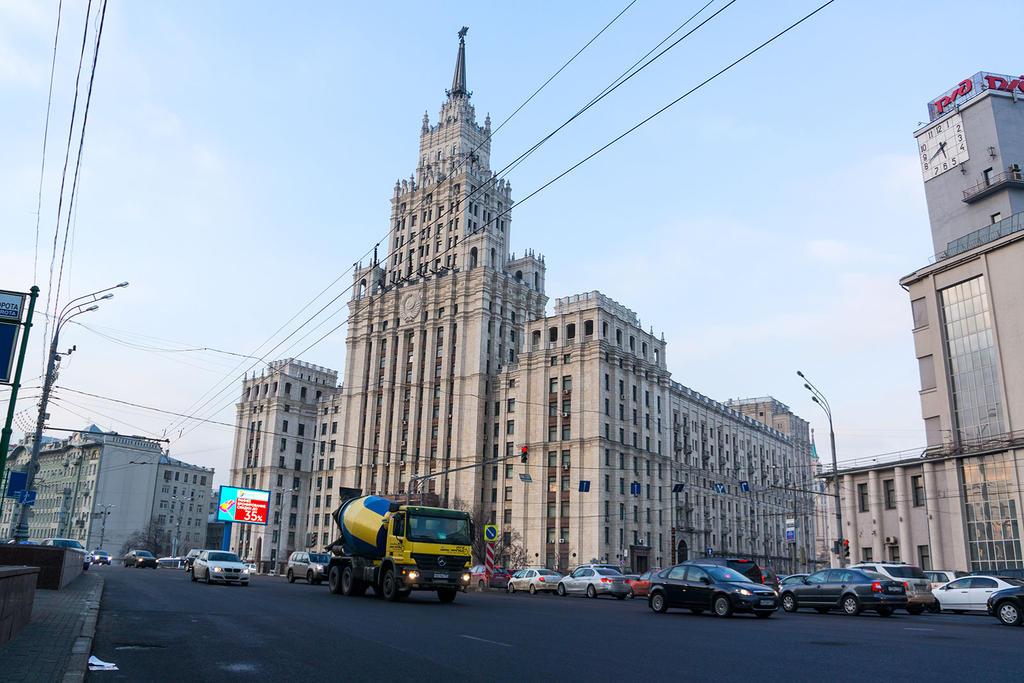 Высотка на Красных воротах   Фото:  moscow-live.ru