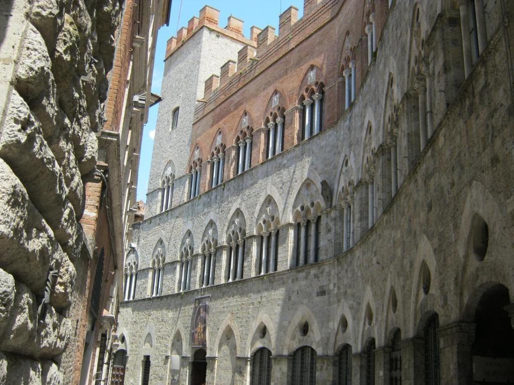 Архитектура Сиены. Фото:  Тонкости_туризма