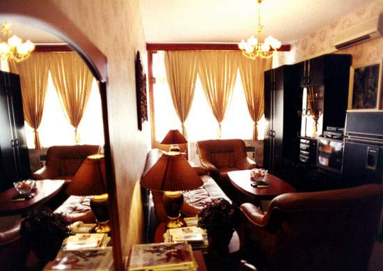 Гостиная номер Люкс. Фото: www.neva-sochi.com