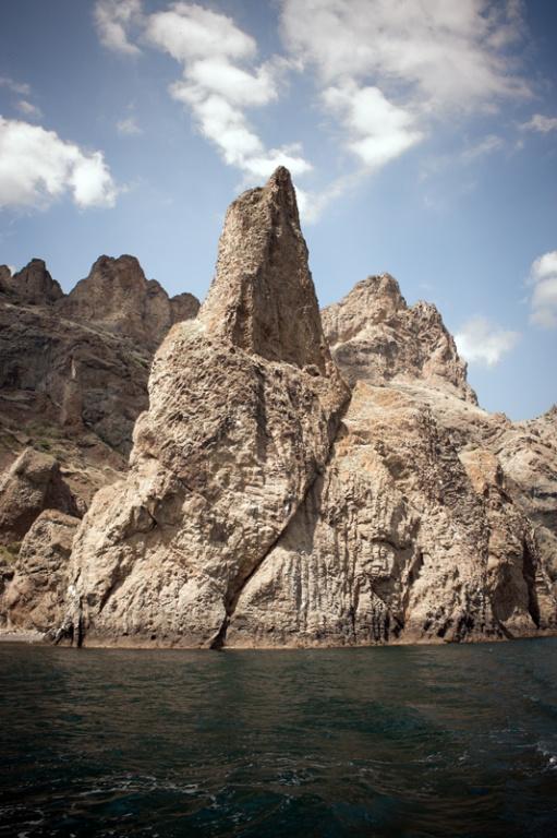 Скала Иван Разбойник, вид с моря. Фото: Wikipedia