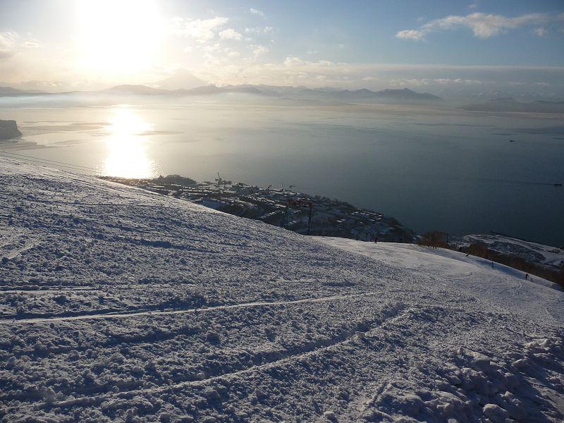 Авачинская бухта зимой. Фото: Eqlbin (википедия)