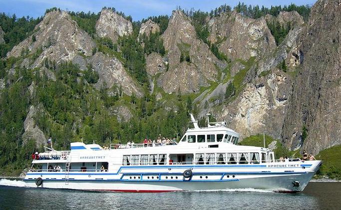 На яхте. Фото: www.samay.ru