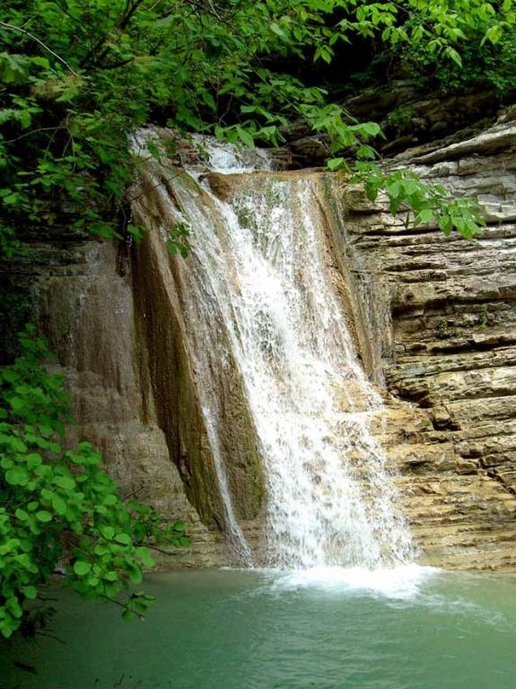 Пшадские водопады. Автор:  Southparkour Lemon. Фото:  upload.wikimedia.org