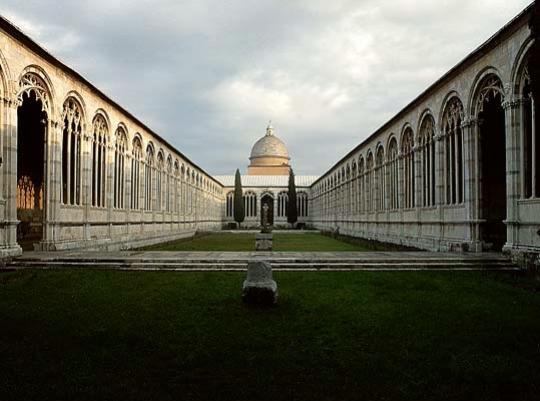 Монументальное кладбище Кампо Санто.  Фото с сайта    votpusk.ru