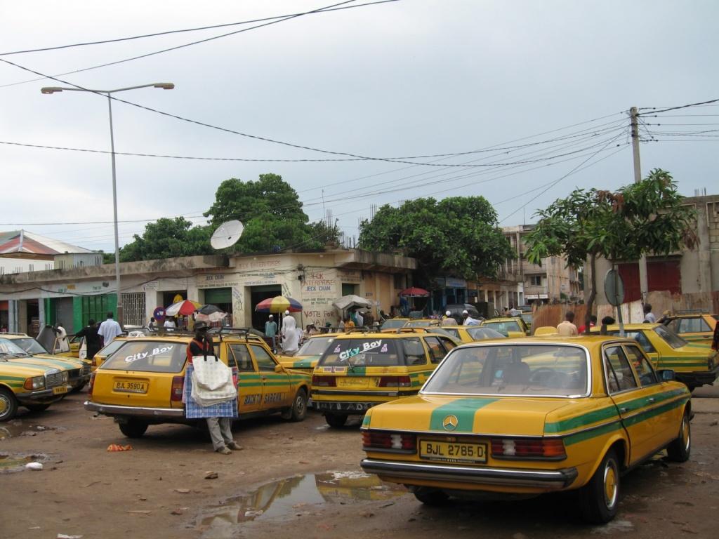 Такси в Гамби. Автор: 300td.org. Фото:  www.flickr.com