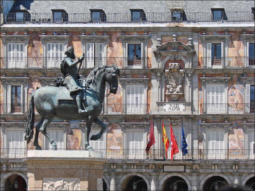 Статуя Филиппа Третьего. Автор: Jean-Pierre Dalbéra. Фото:  www.flickr.com