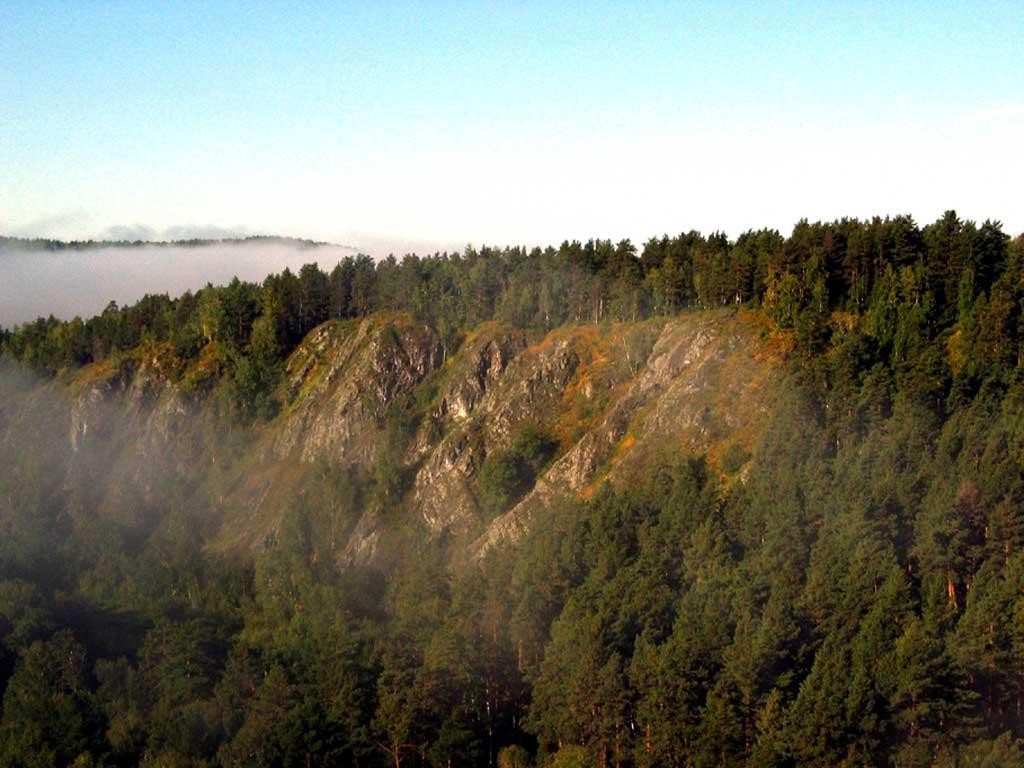 Бердские скалы утром. Автор фото: Балацкий Н. Н.    www.balatsky.ru