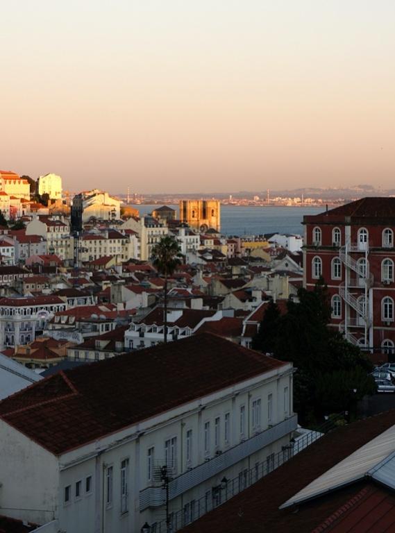 Вид на город. Фото с сайта  tonkosti.ru