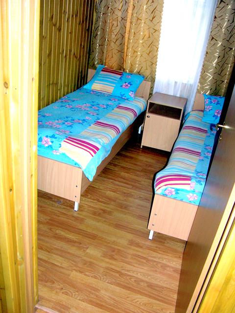 Двухместный номер. Фото: www.baza-izumrud.ru