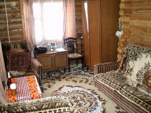 Гостиная в гостевом доме   www.discovery.khakasia.ru