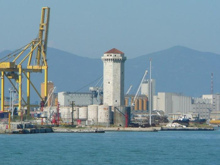 Башня Marzocco в порту Ливорно. Фото:  Тонкости_туризма