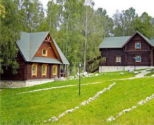 Гостевой дом и столовая. Фото: www.belokuriha-online.ru