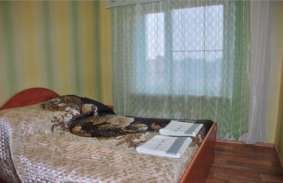 Полулюкс, спальня. Фото: dom.odi-n.ru