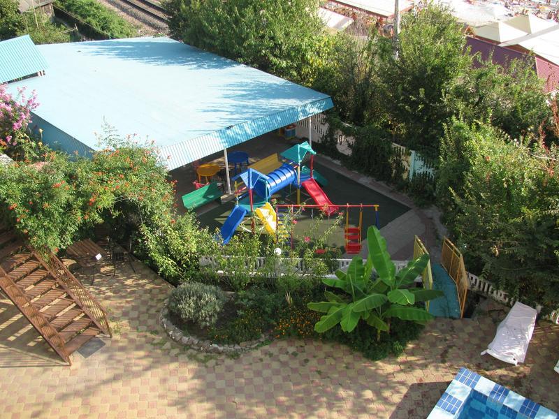 Детская площадка. Фото: flamingo2000.ru